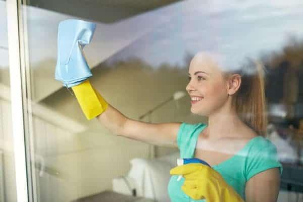 women-clean-window